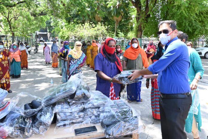 Pourakarmikarige shoes distribution